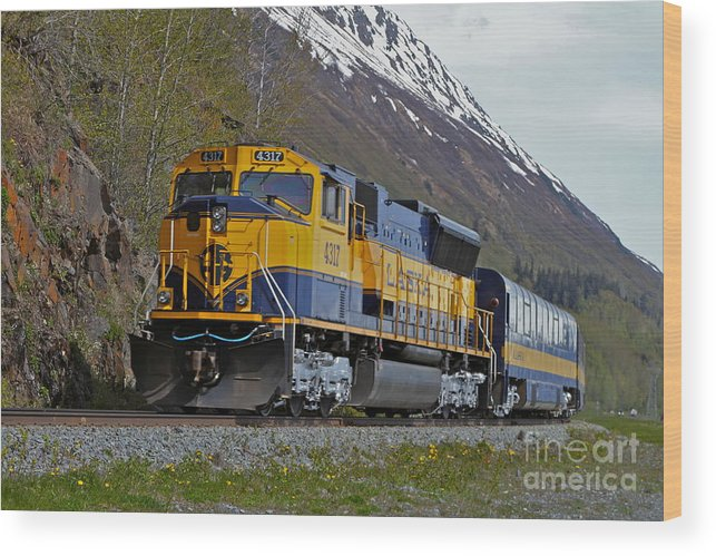 Train Wood Print featuring the photograph North Bound by Rick Monyahan