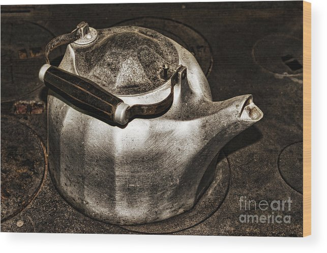 Old.old-fashioned Wood Print featuring the photograph Old Kettle by Les Palenik