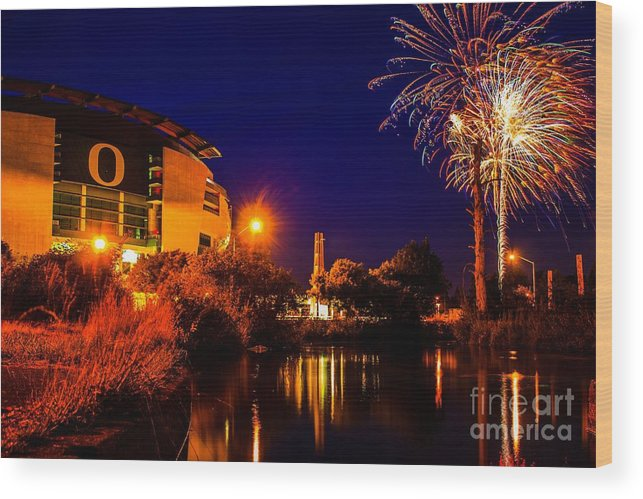 University Of Oregon Wood Print featuring the photograph Oregon Fireworks 1 by Michael Cross