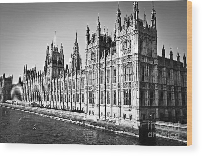 Palace Wood Print featuring the photograph Palace Of Westminster by Elena Elisseeva