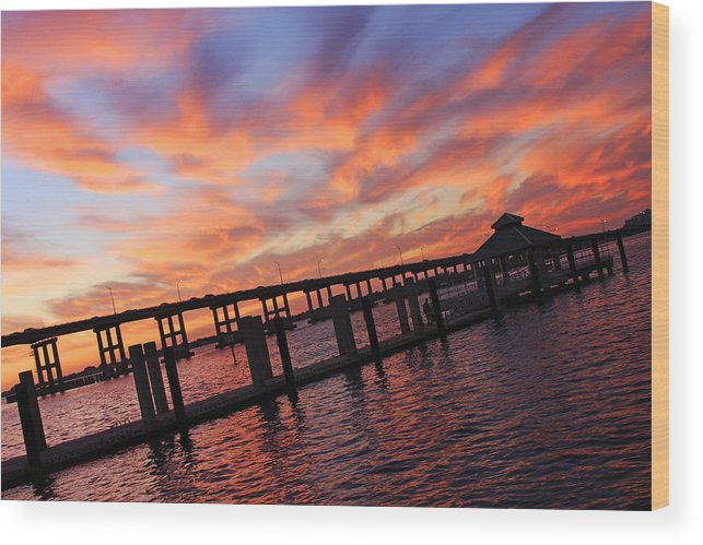 Centennial Park Wood Print featuring the photograph Pastel Painted Sky At The Pier by Tamara Gibbs