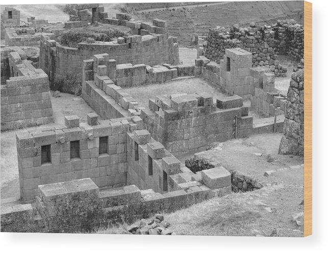 Pisac Peru Inca Ruins Wood Print featuring the photograph Pisac 1 by Noel Lopez