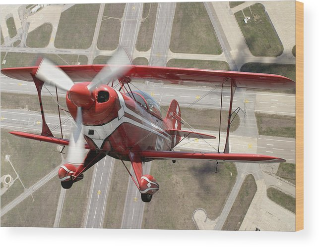 Pitts Special S-2b Framed Prints Wood Print featuring the photograph Pitts Special S-2b by Larry McManus