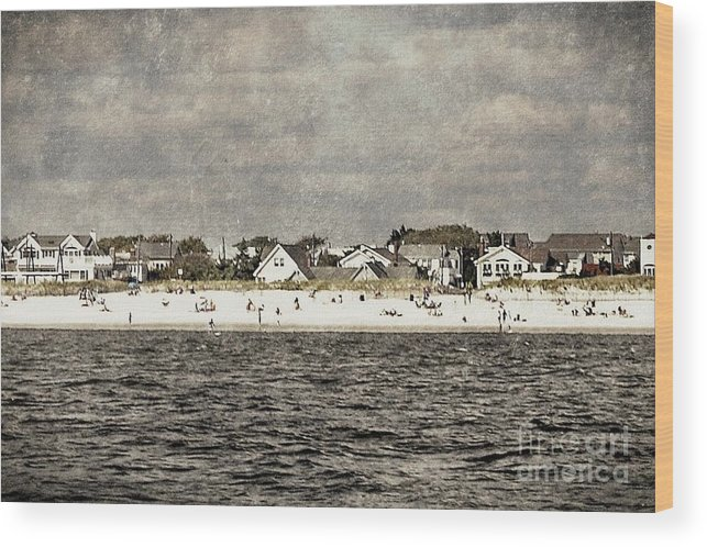 Beach Wood Print featuring the digital art Point Lookout Beach Vintage by Digital Designs By Dee