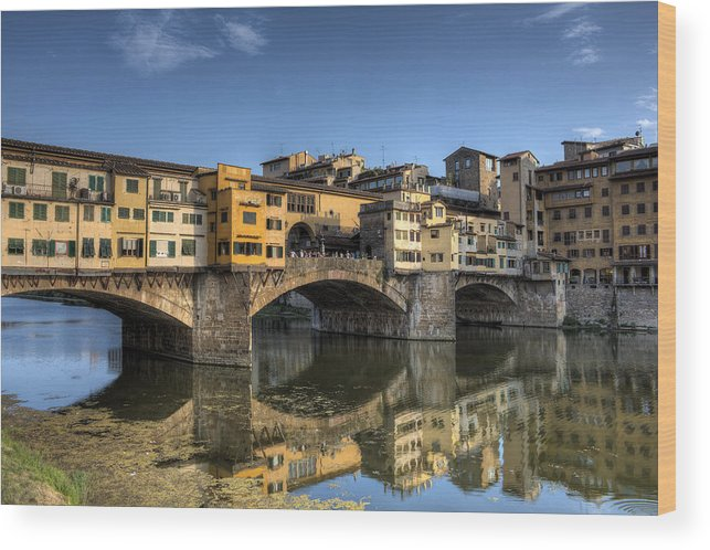 Florence Wood Print featuring the photograph Ponte Vecchio by Maico Presente
