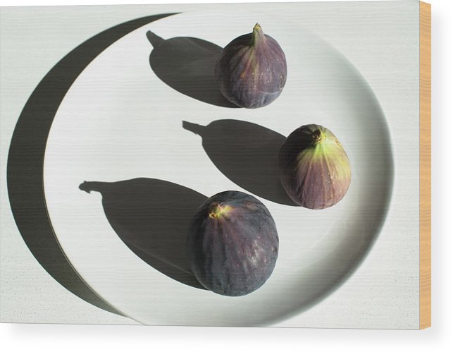 Fruit Wood Print featuring the photograph Purple Figs On A White Plate by Frank Gaertner