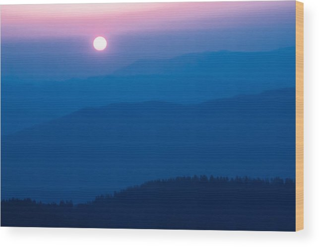 2005 Wood Print featuring the photograph Smoky Mountain Sunrise by Jay Stockhaus