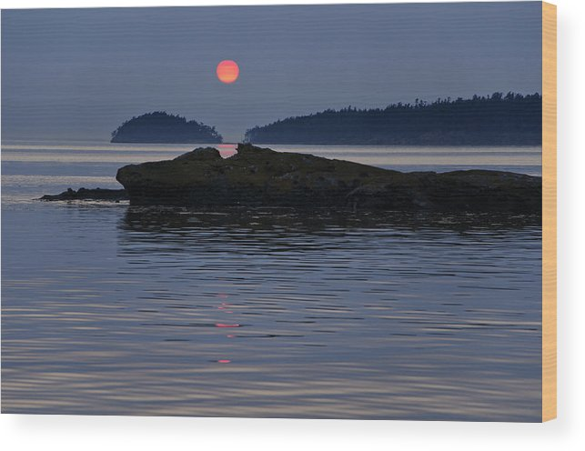 Landscape Wood Print featuring the photograph Sunset At Shallow Bay by Bob VonDrachek