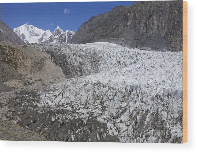 Passu Glacier Wood Print featuring the photograph The Passu Glacier And Mountains by Robert Preston
