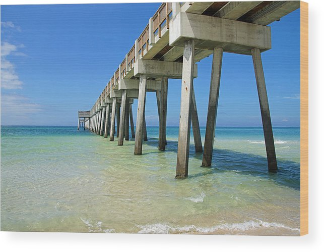 Florida Wood Print featuring the photograph The Pier by Thomas Fouch