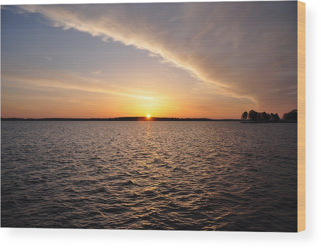 The Wood Print featuring the photograph The Sun Coming Up On The Chesapeake by Bill Cannon
