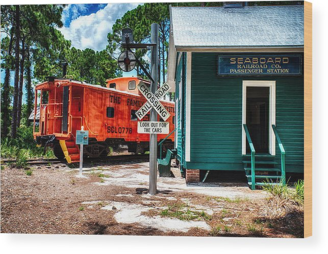 Train Wood Print featuring the photograph Train Station In Hdr by Michael White