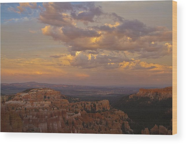 Summer Wood Print featuring the photograph Twilight At Bryce 100 by Tom Kelly
