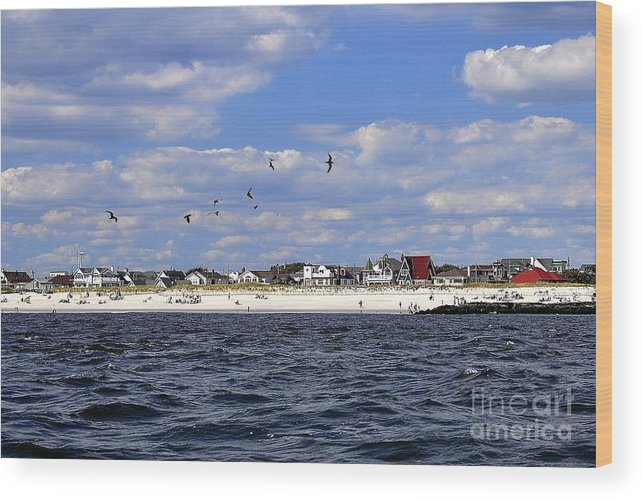 Point Lookout Wood Print featuring the digital art View Of Point Lookout by Digital Designs By Dee