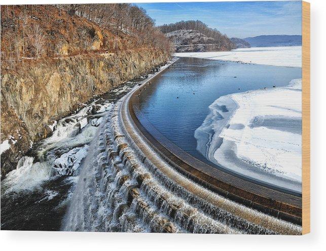 Landscape Wood Print featuring the photograph Croton Dam At Winter by Barbara Budzinski