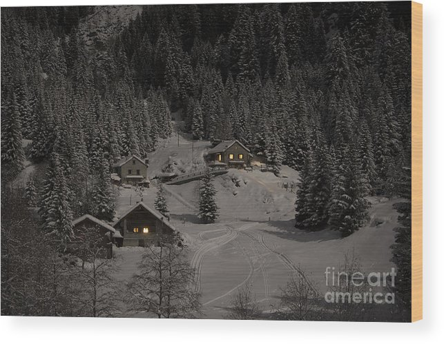 Houses Wood Print featuring the photograph Winter Landscape by Mats Silvan