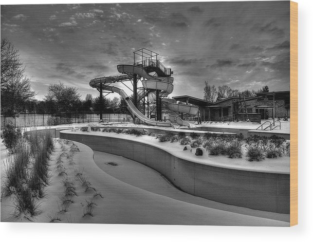 Waterpark Wood Print featuring the photograph Winter Water Park by William Wetmore