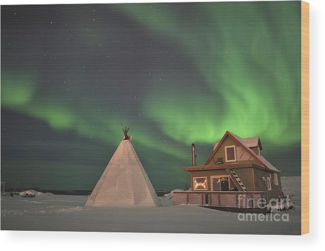 Yellowknife Wood Print featuring the photograph Northern Lights Above Village by Jiri Hermann