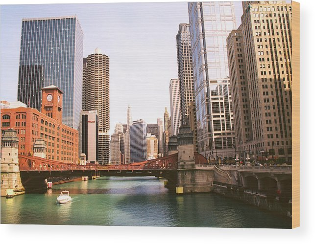 Chicago Wood Print featuring the photograph Chicago Skyscraper 2 by Claude Taylor