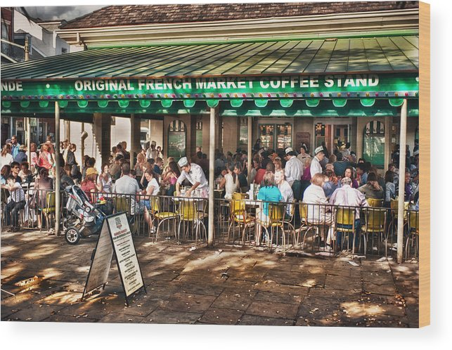 New Orleans Wood Print featuring the photograph Cafe Du Monde by Brenda Bryant
