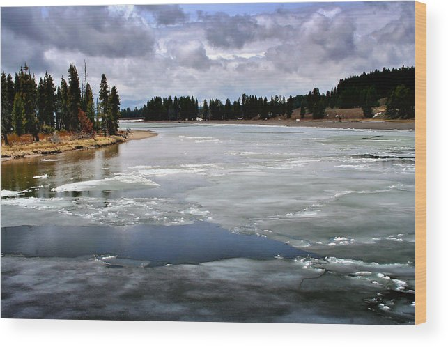River Wood Print featuring the photograph Ice On The Yellowstone River by Ellen Heaverlo