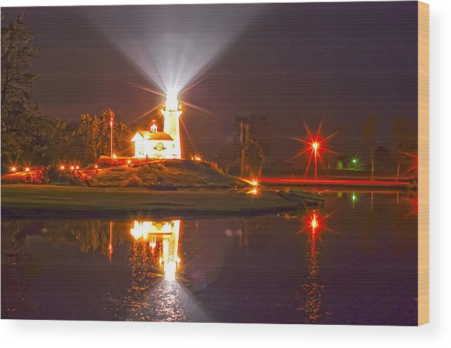 Lightouse In Indiana Wood Print featuring the photograph Inland Lighthouse In Indiana by Randall Branham
