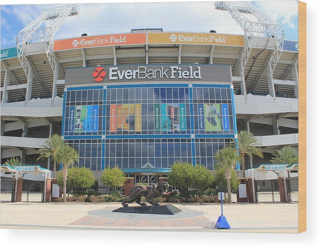 Jacksonville Wood Print featuring the photograph Jacksonville Jaguars Stadium by Rod Andress
