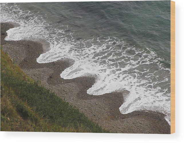 Landscapes Wood Print featuring the digital art Serrated Waves by Martin Fry