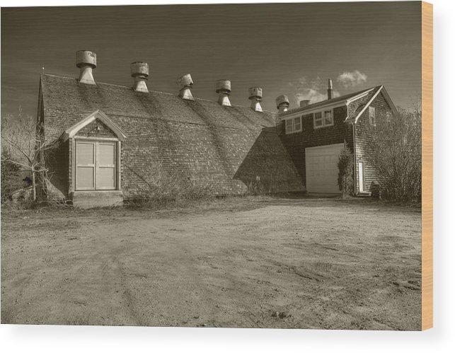 Southampton Potato Barn Wood Print featuring the photograph Southampton Potato Barn by Steve Gravano