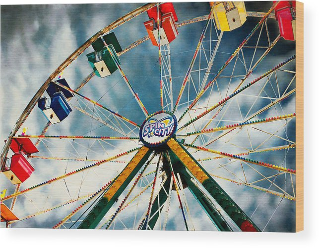 Ferris Wheel Wood Print featuring the photograph Spin City by Jarrod Erbe