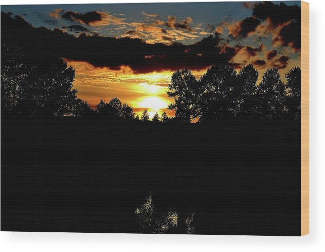 Sunset Wood Print featuring the photograph Sun Flash by Travis Worden