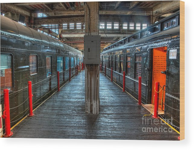 North Carolina Wood Print featuring the photograph Trains - Two Rail Cars In Roundhouse by Dan Carmichael