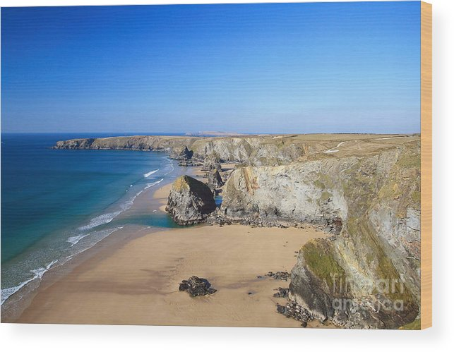 Bedruthan Steps Wood Print featuring the photograph Bedruthan Steps by Carl Whitfield