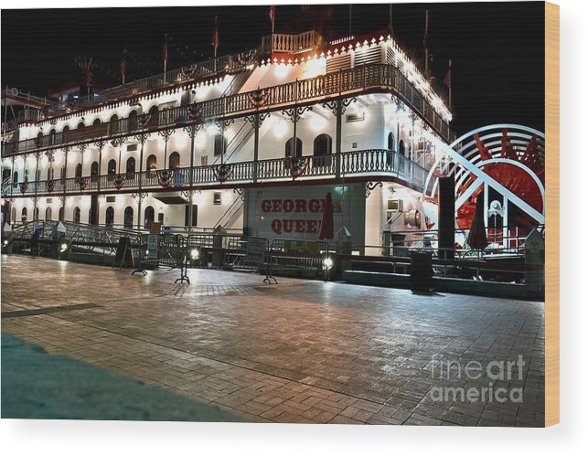 Boat Cruise Wood Print featuring the photograph Georgia Queen Riverboat On The Savannah Riverfront by Jeramey Lende