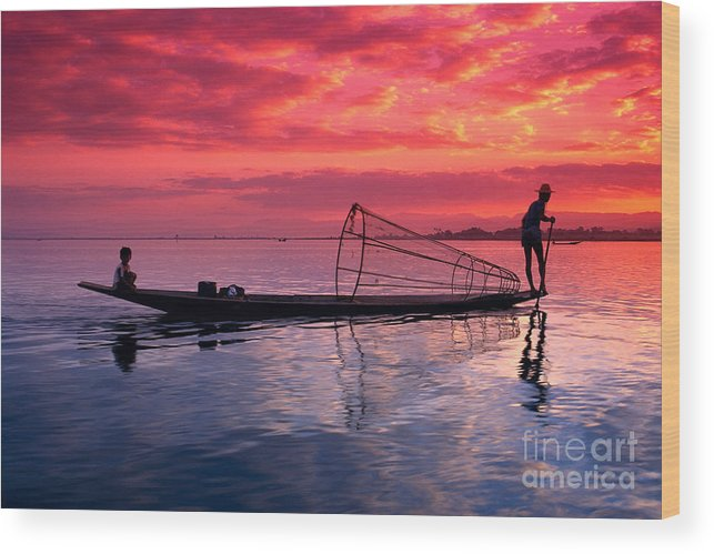 73-csm0075 Wood Print featuring the photograph Inle Lake Fisherman by Gloria & Richard Maschmeyer - Printscapes