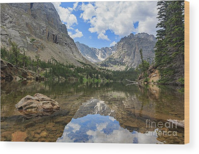 Colorado Wood Print featuring the photograph The Beautiful The Louch Lake With Reflection And Clear Water by Chon Kit Leong