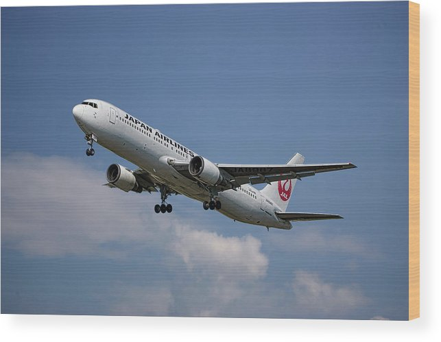 Japan Wood Print featuring the mixed media Japan Airlines Boeing 767-346 by Smart Aviation