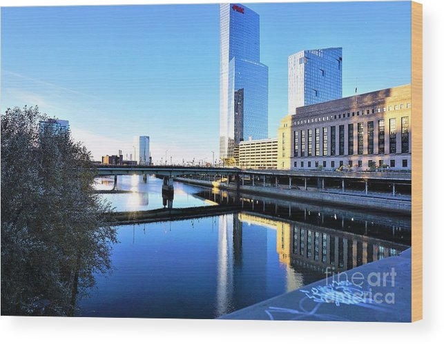 Philadelphia Wood Print featuring the photograph Philly Over The Schuylkill by Merle Grenz