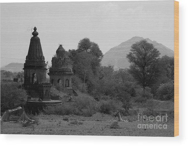 Mahuli Wood Print featuring the photograph Mahuli Village by Kiran Joshi