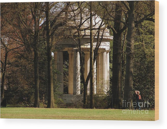Original Wood Print featuring the photograph A Soldier's Memorial by Cathy Mounts