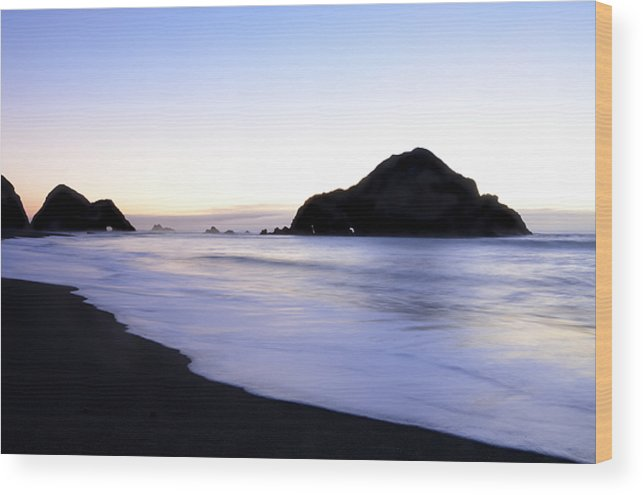 Elk Beach Wood Print featuring the photograph After Glow At Elk Beach 1 by Bob Christopher