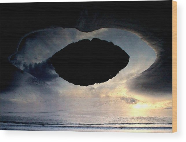 Beach Wood Print featuring the photograph Art Sky by BENNETT Creative Arts
