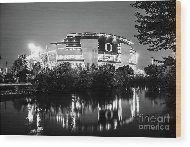 University Of Oregon Wood Print featuring the photograph Autzen 2017bw by Michael Cross