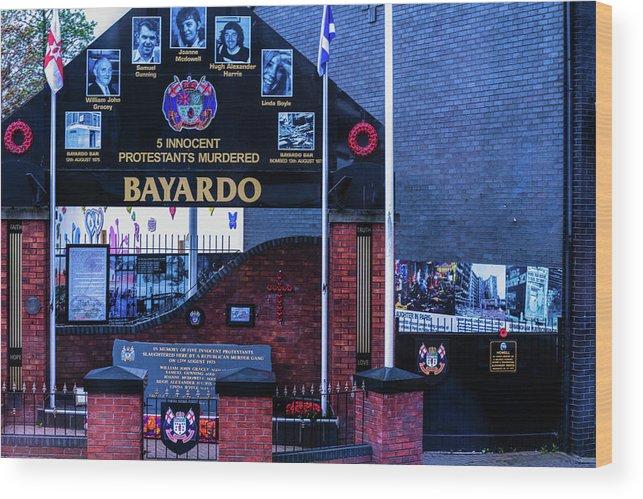 Belfast Wood Print featuring the photograph Belfast Mural - Bayardo - Ireland by Jon Berghoff