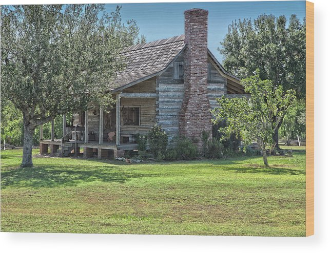 Texas Heritage Wood Print featuring the photograph Cabin1 by James Woody