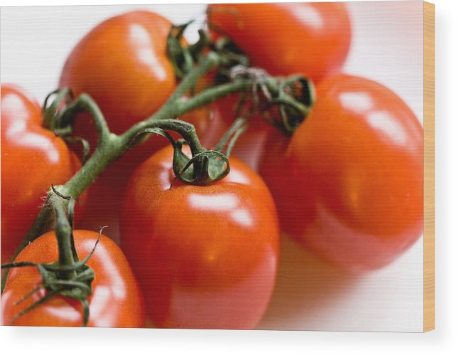 Canon Wood Print featuring the photograph Cluster Of Tomatoes by Hakon Soreide