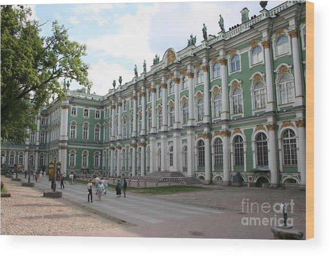 Palace Wood Print featuring the photograph Courtyard Eremitage - Saint Petersburg by Christiane Schulze Art And Photography