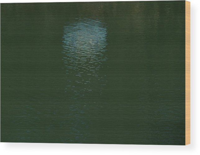 Water Wood Print featuring the photograph Farview 1 by A paul Cartier