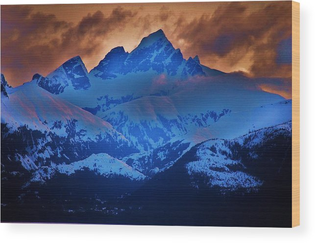 Alaskan Cruise Wood Print featuring the photograph Fire On The Mountain by Helen Carson