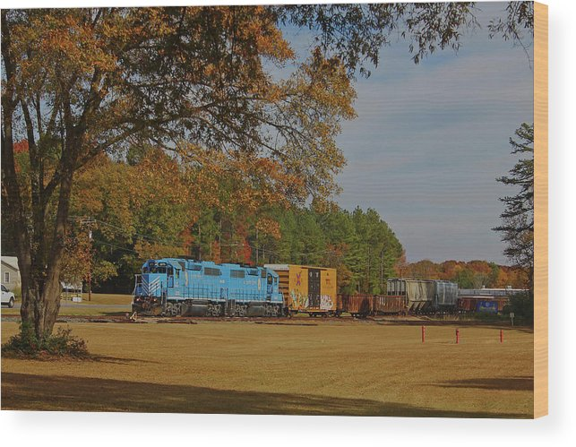 Lc 14 Wood Print featuring the photograph Fort Lawn Train 14 by Joseph C Hinson Photography